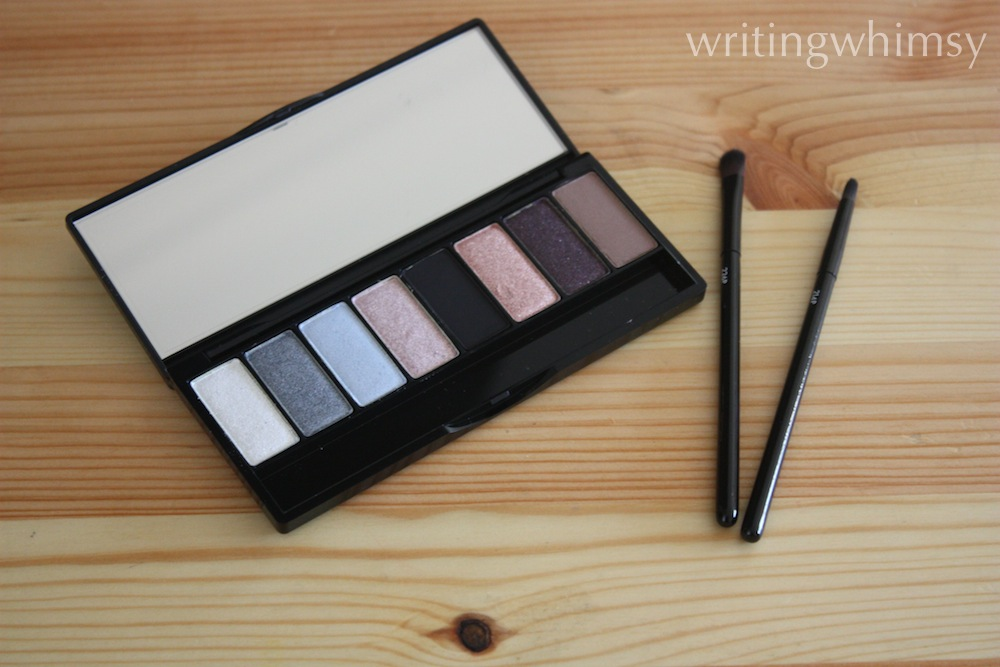 MAKE UP FOR EVER Midnight Glow Palette 6