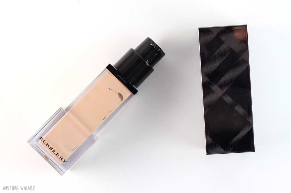 Burberry Fresh Glow Foundation in Porcelain No.11 3