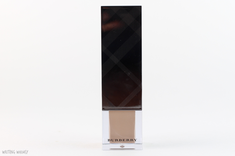 Burberry Fresh Glow Foundation in Porcelain No.11 6