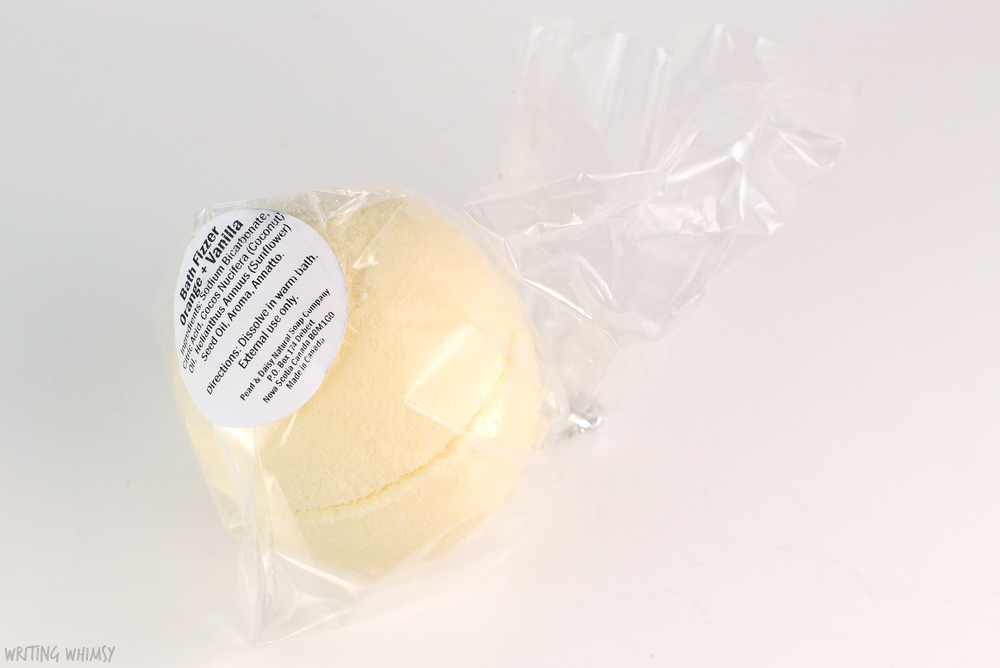Pearl & Daisy Natural Soap Company Bath Bomb in Orange and Vanilla