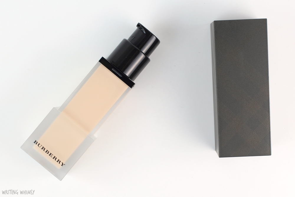 Burberry Cashmere Foundation in Porcelain No.11