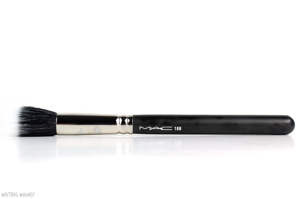 MAC 188 Small Duo Fibre Face Brush Review 2