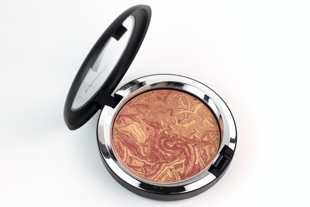 MAC Star Trek Collection MAC Trip The Light Fantastic Powder in Highly Illogical Swatches 3