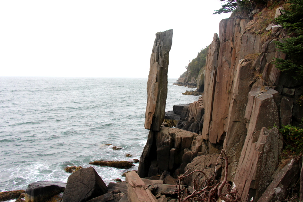balancing-rock-tiverton-nova-scotia-3