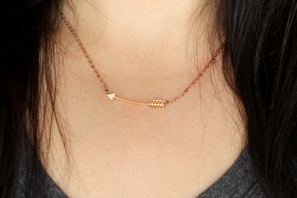 happiness-boutique-arrow-necklace-in-rose-gold