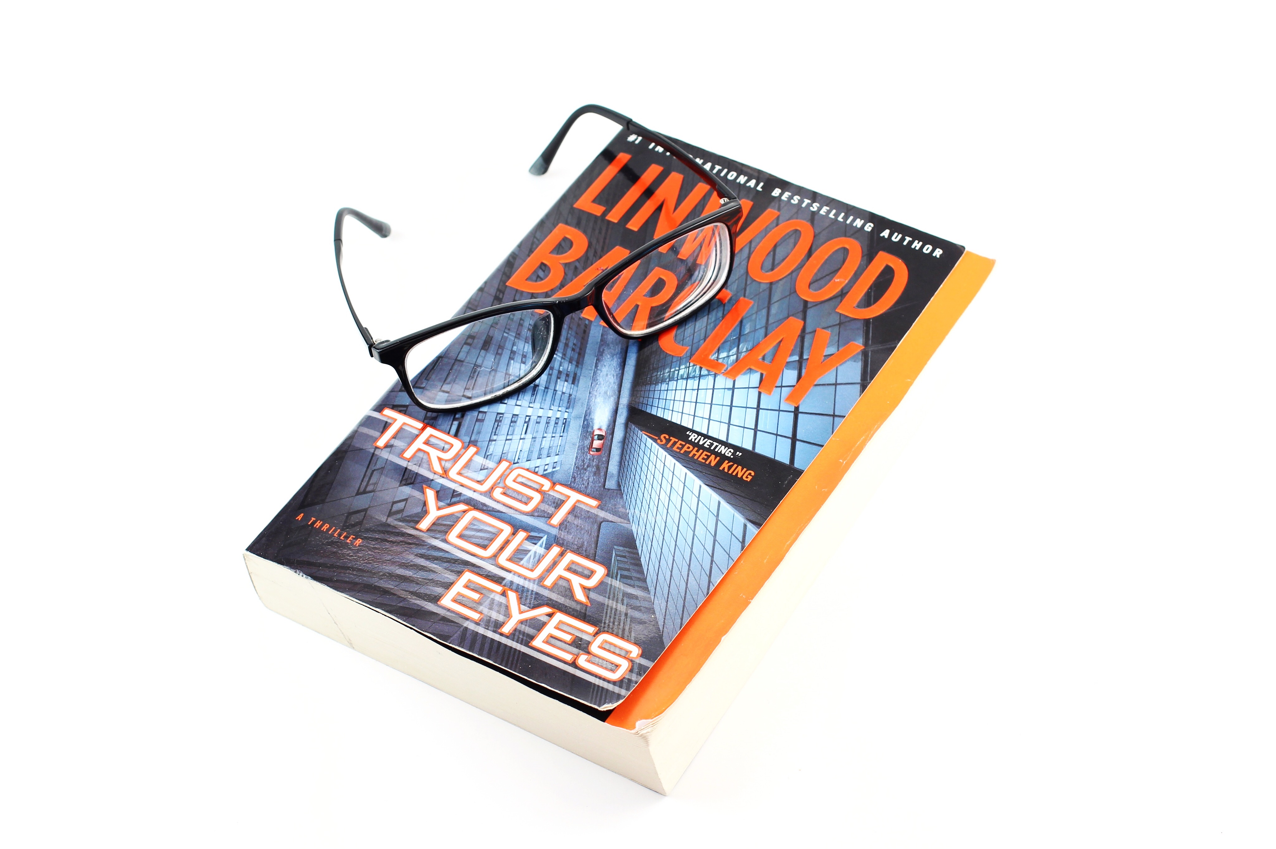 Trust Your Eyes by Linwood Barclay